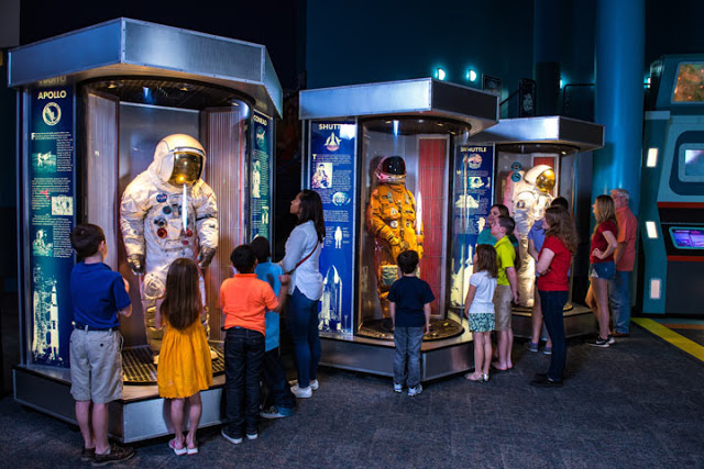 spacecenter gallery spacesuit